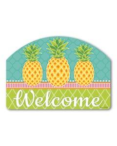 Preppy Pineapple Yard Design
